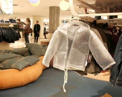Simpatizantes da legalização afirmam que o plástico-bolha também pode ser usado para confecção de roupas, assim como o cânhamo.