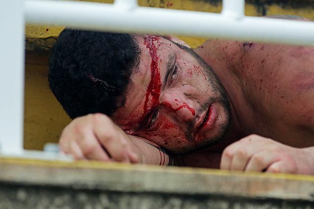 Só os pontos da cabeça do torcedor desta foto podem levar Vasco a disputar a Champions League, em 2014.